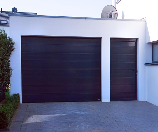 Garagentor mit nebentür  Garagen-Nebentüren | Novoferm