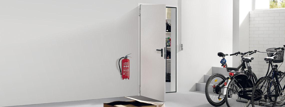feuerschutzt ren aus stahl brandschutzt ren von novoferm. Black Bedroom Furniture Sets. Home Design Ideas